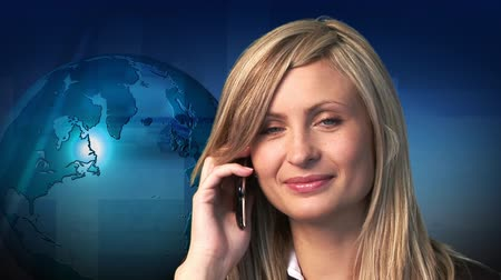 telefones : Businesswoman making a phone call.