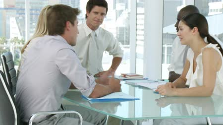 choise : Business team discussing at a table Stock Footage