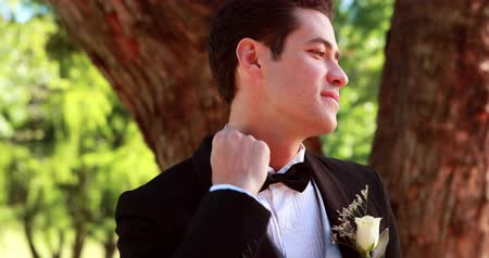 jitters : Nervous groom waiting for his bride on a sunny day