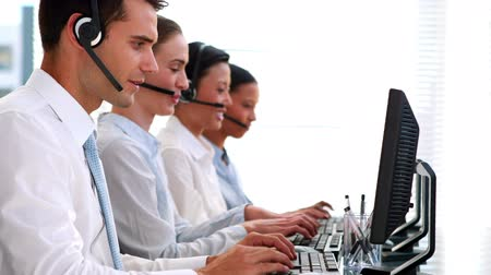сотрудники : Hd video of business people working in call center