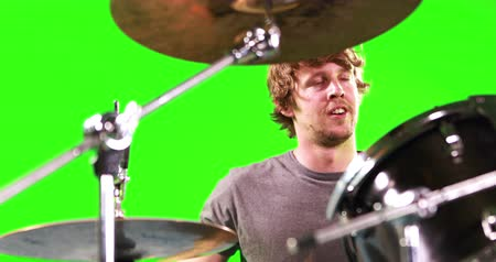 davulcu : Man playing drums on green screen Stok Video