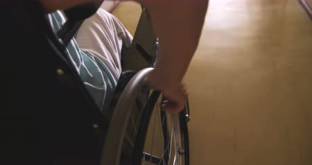 rokkant : Senior woman in a wheelchair at hospital