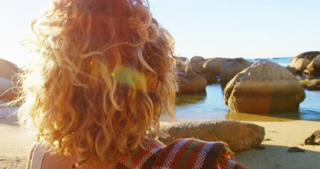 desviando o olhar : Thoughtful woman standing in the beach 4k Stock Footage