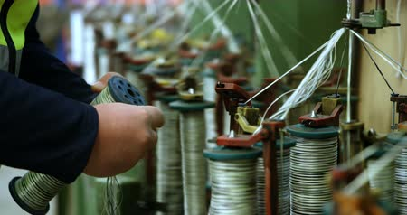 hímzés : Mid section of worker working in rope making industry 4k