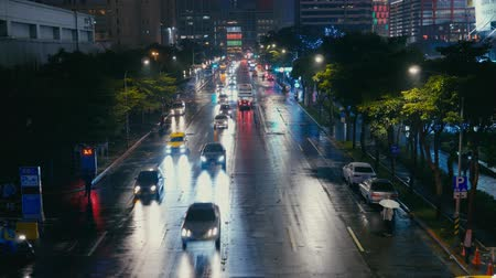 pedestrians : City night view, out of focus. Stock Footage
