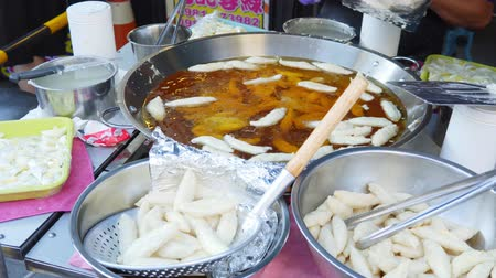 rozruch : Street Food In Kaohsiung Taiwan