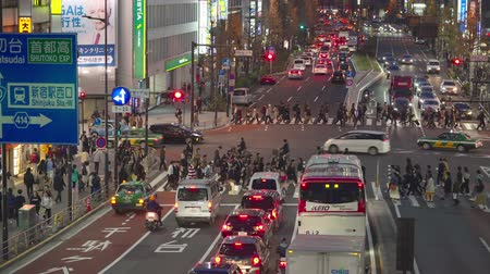 tren : Shinjuku, japan-04 06 2019: crowded Street Of The District Of Shinjuku At Night