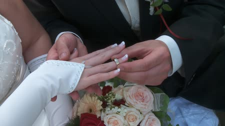 weddings : wedding rings Stock Footage