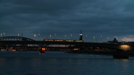 kolínská voda : River Rhine at night