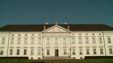 elnök : video footage of the Bellevue Palace in Berlin, Germany (Schloss Bellevue)