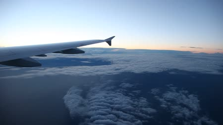 брезент : Timelapse footage of flying over clouds in the morning