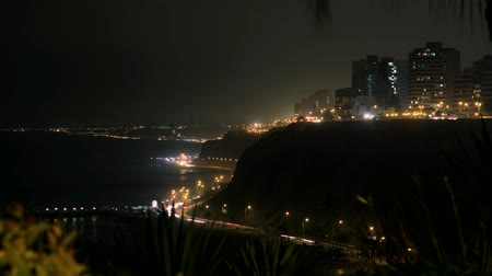 dél amerika : video footage of a traffic timelapse in Lima, Peru, south america at night
