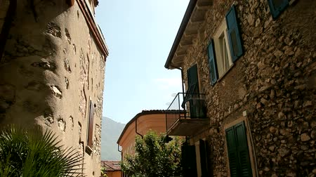karakteristik : video footage of the city of Limone, at the lake garda in italy Stok Video