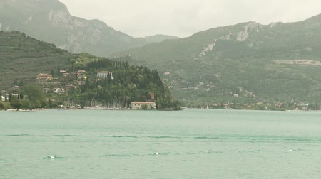 dağ evi : video footage of the city of Riva at the lake garda in Italy Stok Video