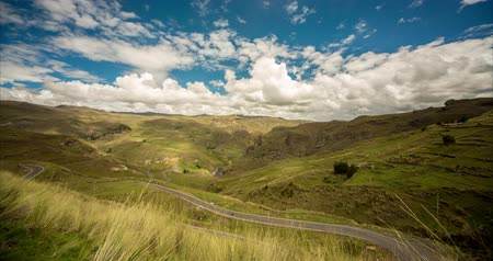 paisagem : video footage (4K Timelapse) of a Andes landscape in Peru near Cusco