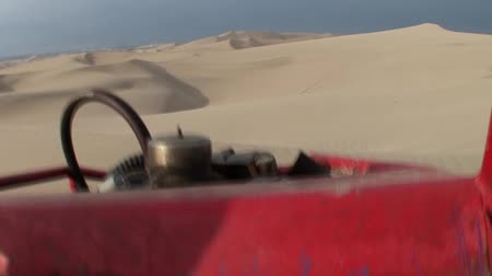дюна : video footage of trip with a buggy in dunes. Huacachina, Ica, Peru. February 2007