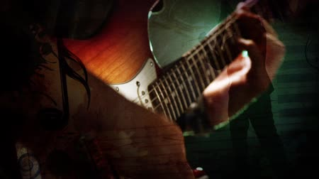 mikrofon : Dueling Guitar Strum and Silhouette 4K features of a close up silhouette of a man playing an electric guitar with animated music notes and a another full body guitar player silhouette in the background Wideo