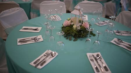 příbory : Glasses, flowers, fork,table set for wedding