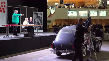 sběratelskou : HELSINKI, FINLAND - APRIL 16, 2017: Auction of vintage and collectible cars. The 40th American Car Show in Helsinki Fair Center