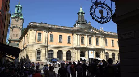 nobel : STOCKHOLM, SWEDEN - MAY 2, 2016: Facade of the Nobel Museum in the old town (Galma Stan) in Stockholm. Stock Footage