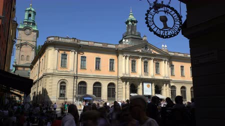 nobel : STOCKHOLM, SWEDEN - MAY 2, 2016: Facade of the Nobel Museum in the old town (Galma Stan) in Stockholm. Time Lapse. Stock Footage