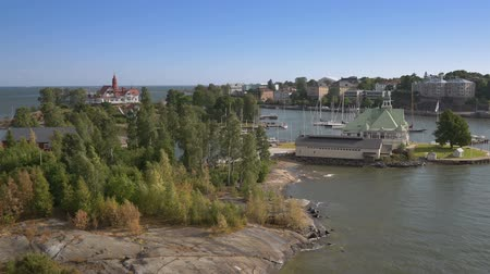 baltské moře : Aerial view footage of Helsinki bay area with boats old villas and islands, Finland