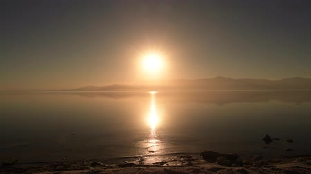 água salgada : California Salton Sea Scenic Vista. Sunshine Day. Southern California, United States of America.