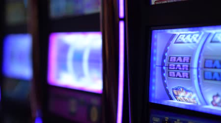haydut : Las Vegas Spinning Slot Machines Closeup Video. One Handed Bandits.