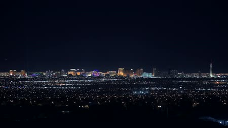 maravilha : State of Nevada, Las Vegas, November 9th, 2017. City Skyline During Late Evening Hours. United States of America.