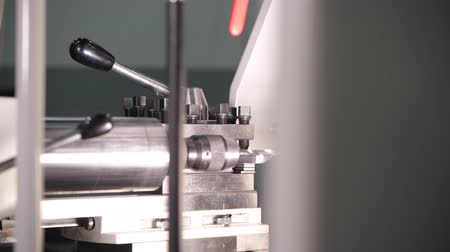 fixní : Metal Drilling Process Using Metal Lathe. Closeup Footage.