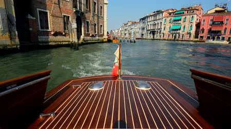 모터 보트 : Water Taxi in Venice, Italy. Boat Tour in Venice. 무비클립