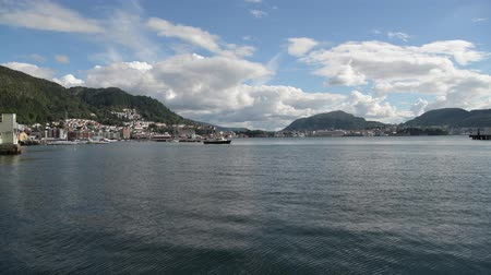 agosto : City of Bergen. Norway's Southwestern Coast. Sunny August Midday.