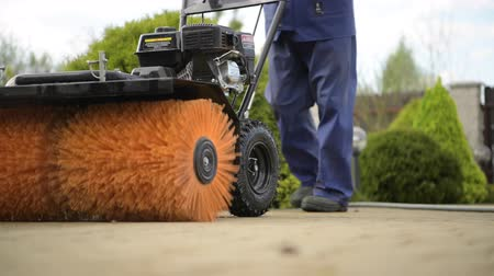 godo : Residential Brick Pavement Using Power Brush Equipment