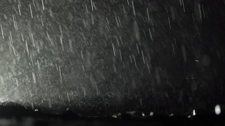 гром : Heavy Rainfall During Late Night Hours. Thunderstorm Weather. Slow Motion Footage.