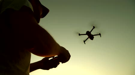 começando : Remote Controlled Drone Aircraft. Aerial Photography and Recreational Flight. Vídeos