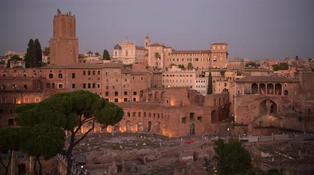 damasco : October 15, 2019. Rome, Italy. Ruins of the Trajan Market During Scenic Sunset. Famous Italian Destination.
