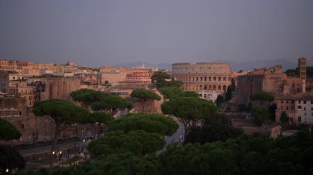 damasco : Italian Capitol of the Lazio Region. City of Rome Panorama with Colosseum and Roman Forum and Market. Vídeos