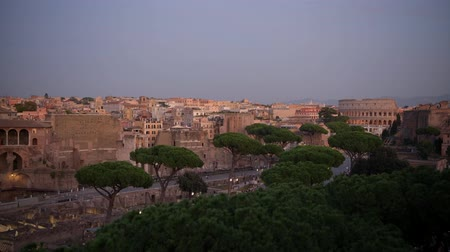 damasco : Rome Sunset Panorama with Colosseum and Roman Forum and Market. Capitol of the Lazio Region.
