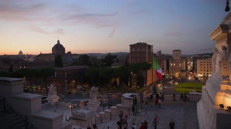 císař : Late Afternoon Traffic on the Piazza Venezia in the Central Rome. City of Rome After Sunset. Dostupné videozáznamy