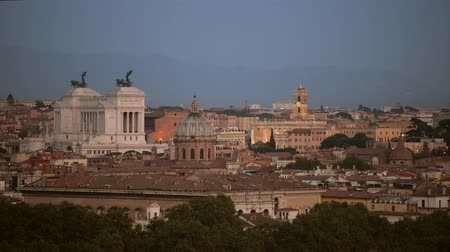 damasco : City of Rome Panorama During Sunset. Famous Historic Buildings and the Cityscape.