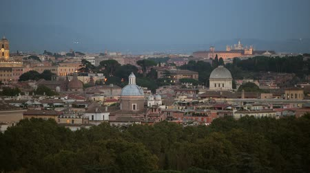 cesare : City of Rome Panorama ay Sunset. Famous Historic Buildings and the Cityscape. European Destination. Filmati Stock