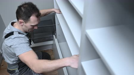 kabine : Closet Cabinets Contractor. Finishing Wooden Wardrobe