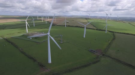 fenntartható : Wind turbines for electrical energy generation. Power station for clean energy production from wind. Aerial view of a wind farm. Renewable energy concept