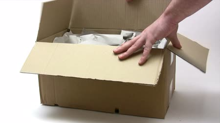 packaging : Opening a Parcel