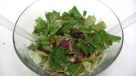 food preparation : Preparing a Mixed Salad
