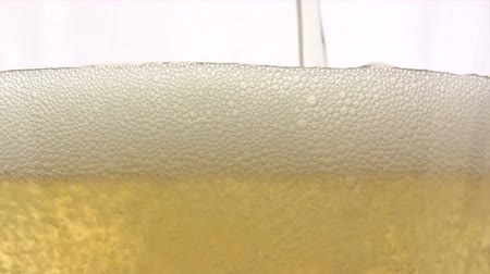 schiuma birra : Versare Birra - Close-Up