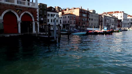 veneza : Pan on Venice from boat on channel Stock Footage