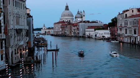 veneza : View on channel from Rialto bridge sunset in Venice