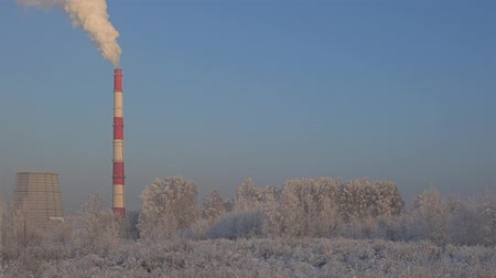 Mooi winter industrieel landschap Stockvideo