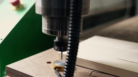 Houtfreesmachines video bewerken